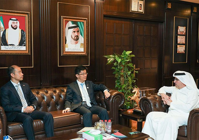 MD & CEO of DEWA meets Chinese Consul General to enhance collaboration with Chinese companies